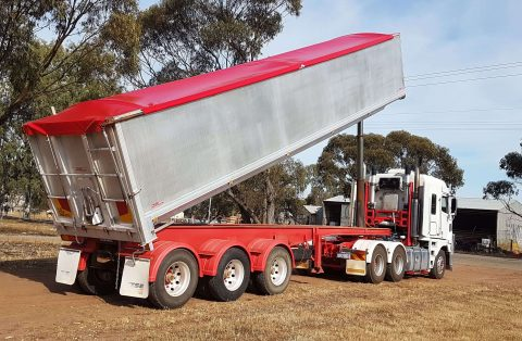 Roll Tarp for a Grain Tipper